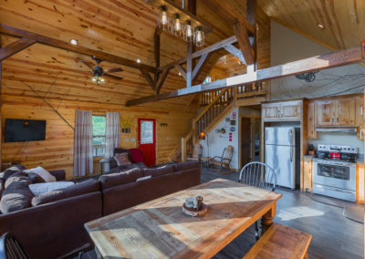 Dining And Kitchen 1 Hideaway At Clear Sky Ridge Cabin Rentals Near Wolf Pen Gap In Mena Arkansas