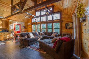 Living Area 1 Hideaway At Clear Sky Ridge Cabin Rentals Near Wolf Pen Gap In Mena Arkansas