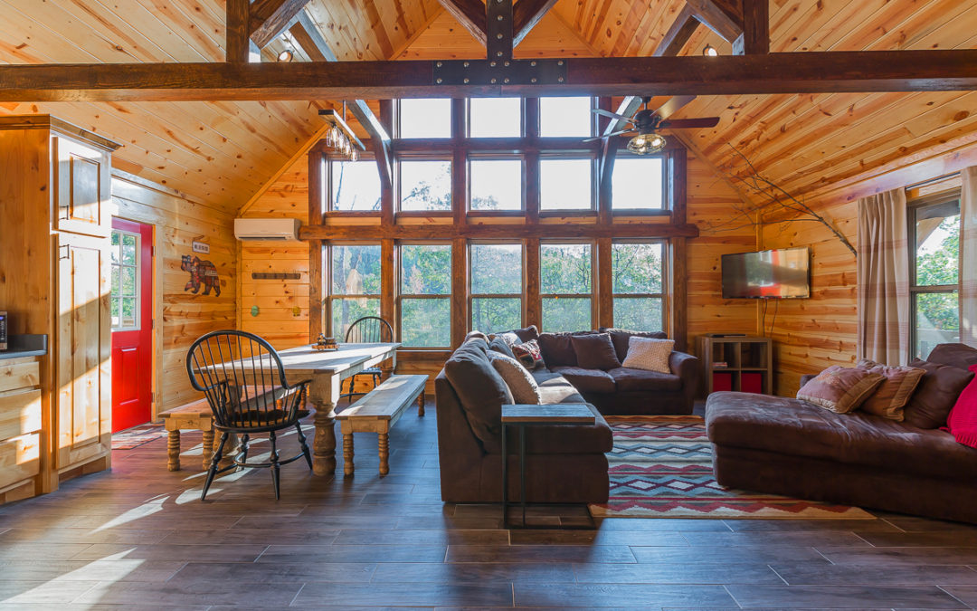 Find Cabins In Arkansas | Enjoy An Awesome Space & Generous Cabin!
